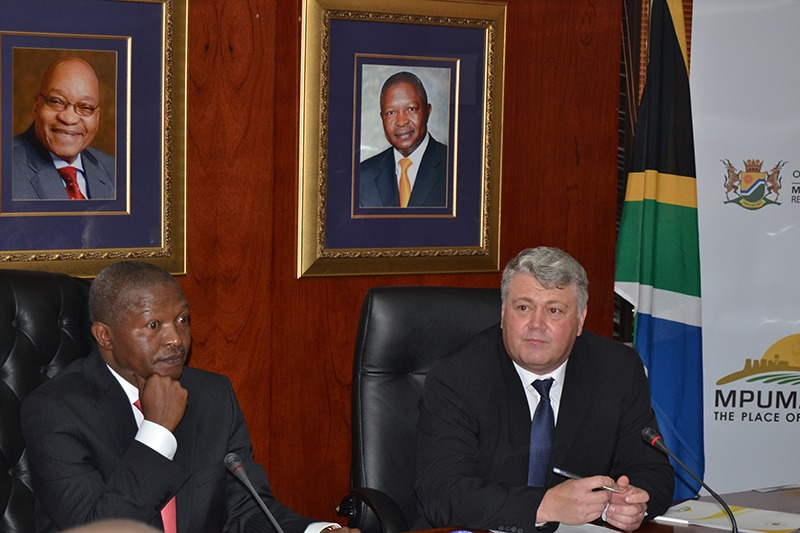 Mabuza receives commission report into farm dwellers' conditions