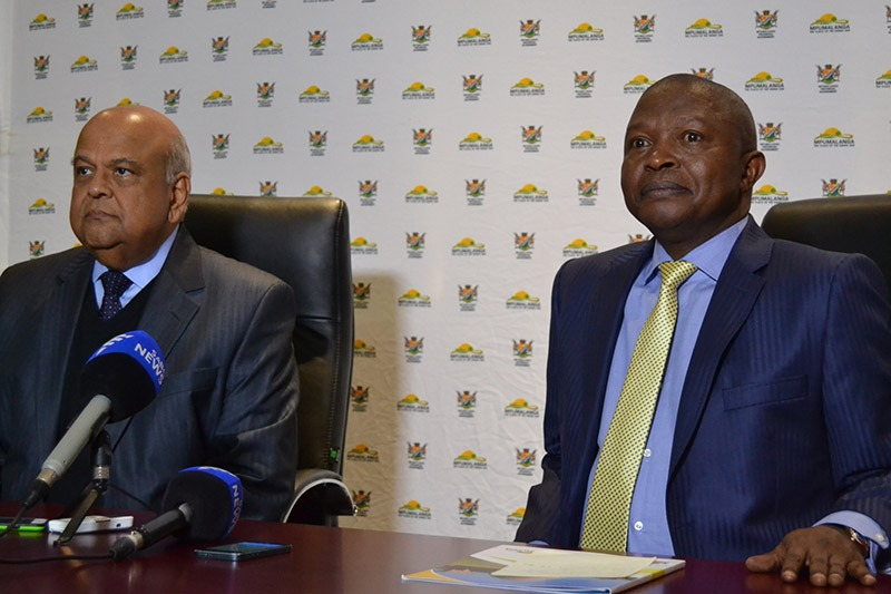 Gordhan and Mabuza media conference accepts only two questions from journalists, rejects one of them