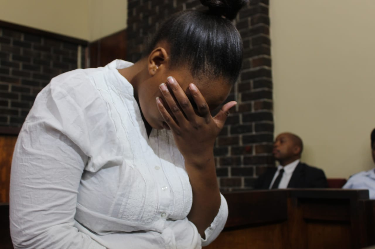 Klarinet mom breaks down and cries in court
