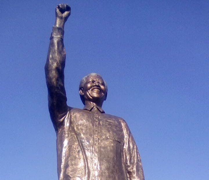 The statue of Mandela before it was 'fixed'