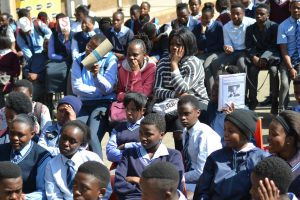 Thembi Siweya wants more Grade 11 pupils to own cellphones