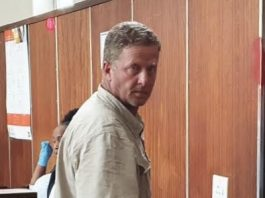 Bethal's double murder accused Francois Pretorius fights for bail